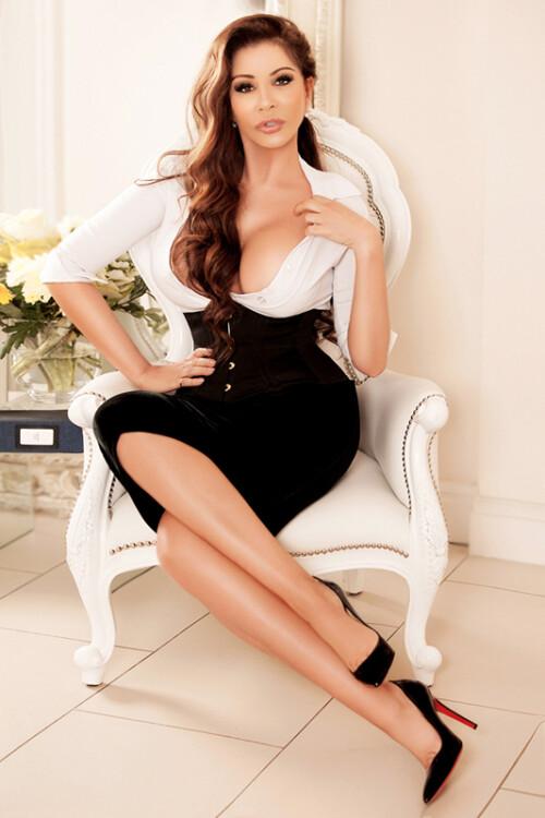 london-escort-glamorous-5xxx