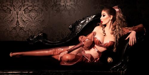london-experienced-mistress-12