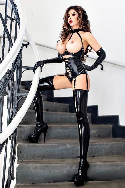 london-escort-nude-2